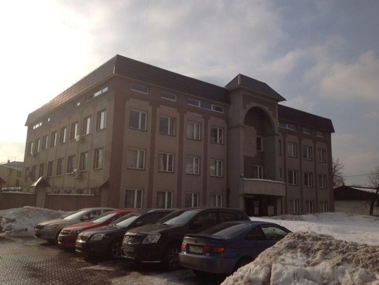 Четырёхэтажное административное здание